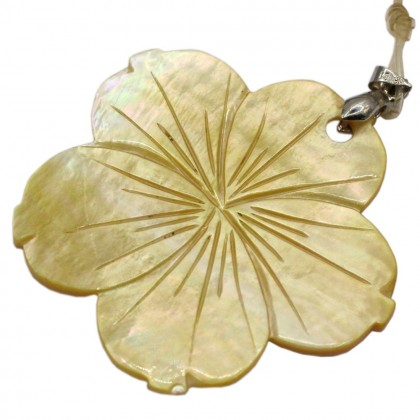 Natural Shell Pendant (Dyed/Coated), Rhodium Plated Brass, 54x53mm, Flower, L2-05479